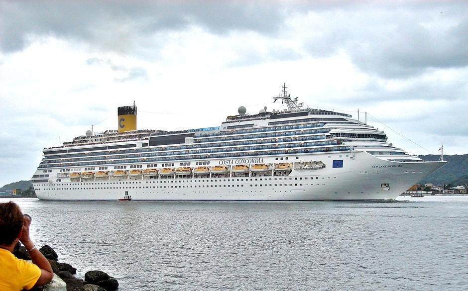 Costa Concordia partindo de Santos