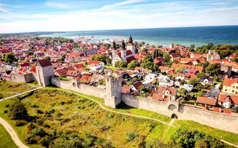 A muralha e o Centro Histórico de Visby
